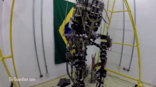 El saque de honor de Brasil 2014 lo realizará un chico con paraplejia - FÚTBOLSELECCIÓN