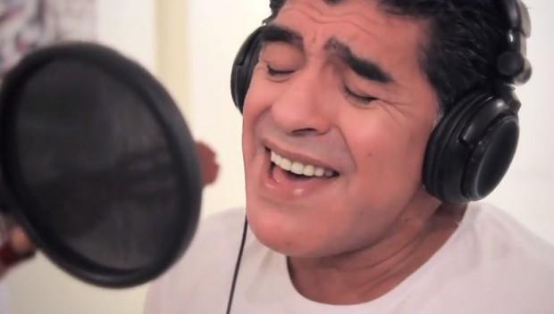 La penúltima cantada de Maradona