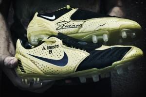 Una historia inolvidable: Las botas de Iniesta - FÚTBOLSELECCIÓN