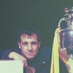 Antonio Muelas con copas Mundial de Futbol - RNE - FÚTBOLSELECCIÓN