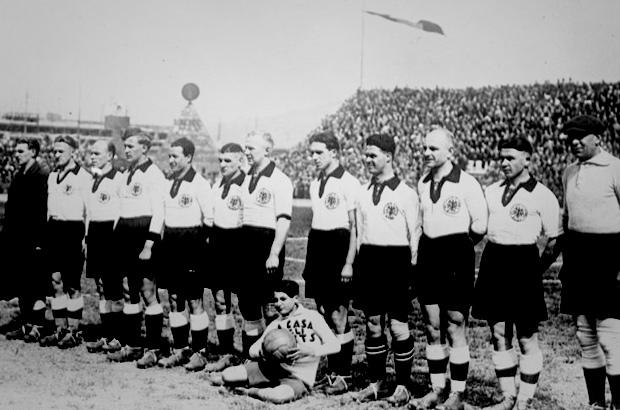 ¿Sabes cuál la selección con más goles en contra en la historia de los Mundiales? - FÚTBOLSELECCIÓN